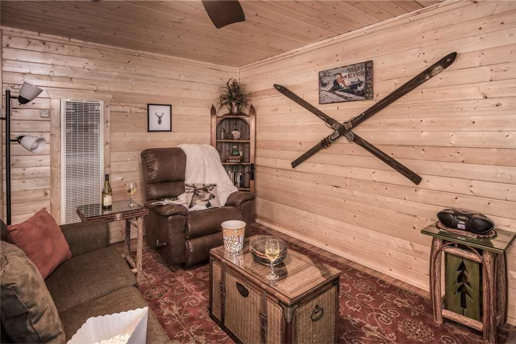 Feels at Home - From the moment you step into Elk Run Cabin, you will feel at home!