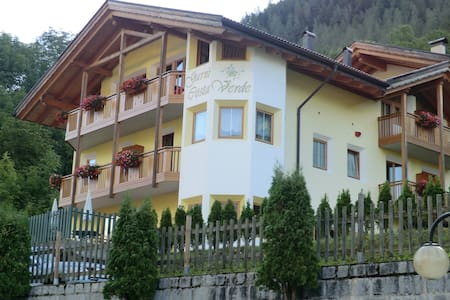 Garni Costa Verde - Bed & Breakfast