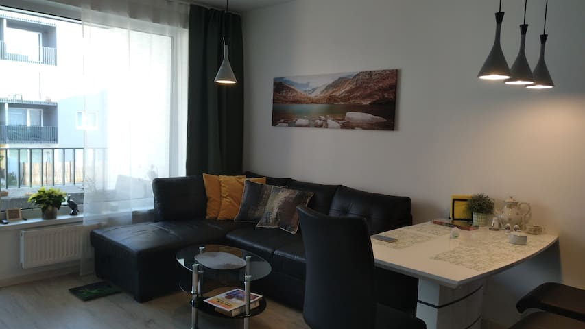 New apartment on metro, 13 minutes to city centre