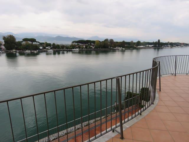 Appartamento Blu 4 posti  con posto barca