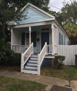 Cottage on Caroline