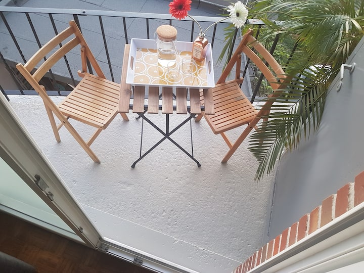 Apartment, garage, breakfast 2km from Ghent center