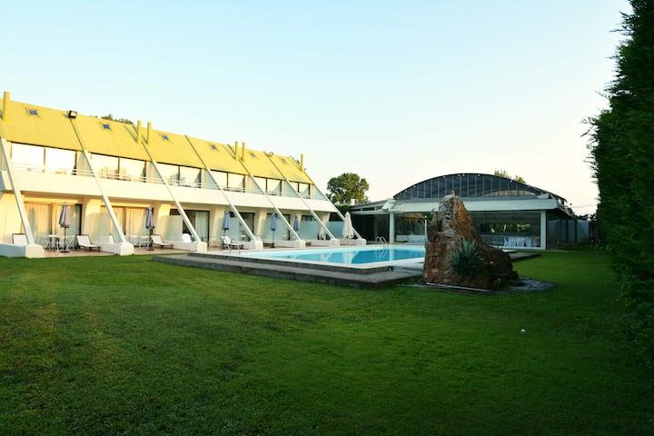 Serenity Village Villa Knimis