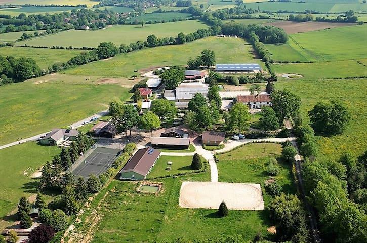 Domaine privatif proche de Guédelon 28 personnes