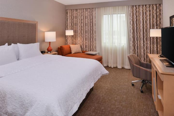 Amazing Studio Double Bed At Good Location