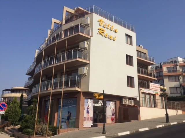 Апартаменты-студия в г. Свети Влас, Болгария.