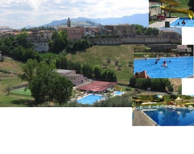 piscina e c benessere, 20 m mare - Castilenti - 公寓