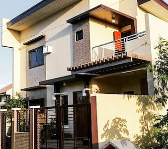Entire house OR room only - Naga city - บ้าน