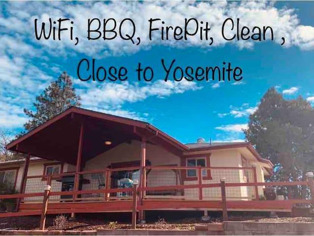 Cozy, comfortable, clean, ranchette,near Yosemite