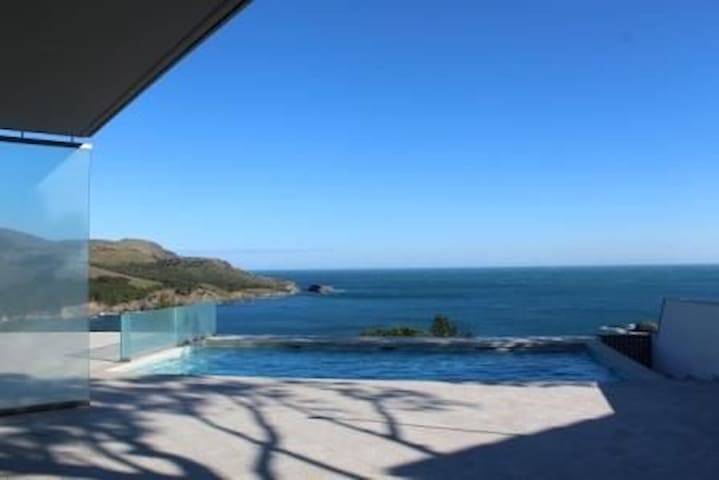 Beautiful house in the emblematic site of Grifeu, with excellent views to the area of  - Llançà - บ้าน