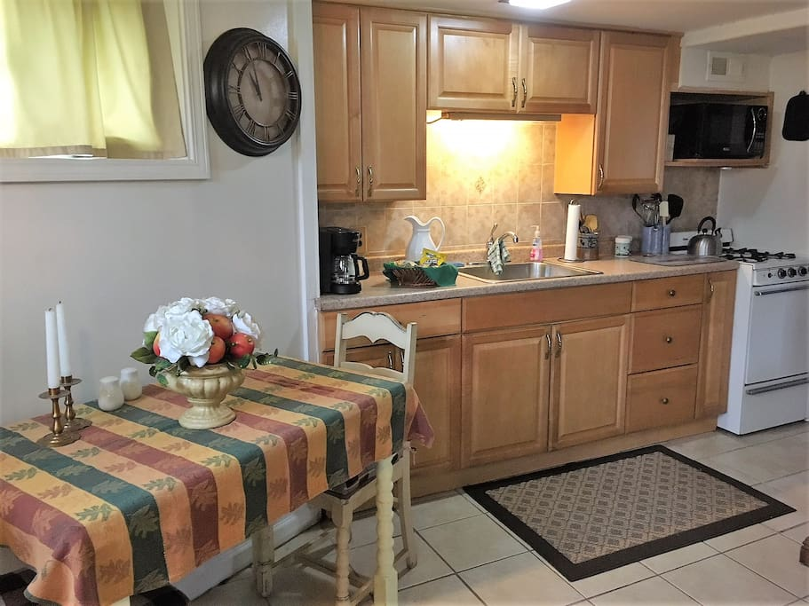 Fully Equipped Kitchen w/ Stove and Full Fridge