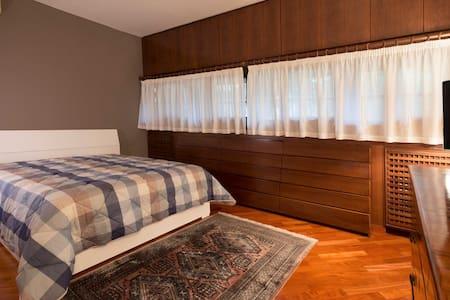 Morris B&B - Camera Cristiana - Arbizzano-santa Maria - Bed & Breakfast
