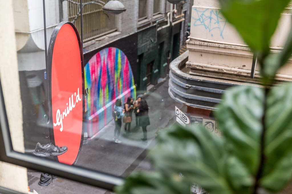 Overlooking Degraves St