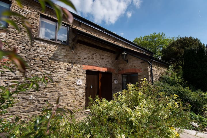 One bedroom countryside cottage, close to coast