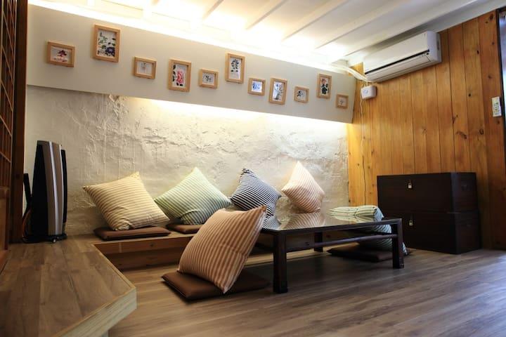 九份金瓜石民宿木質元素  肖楠房
