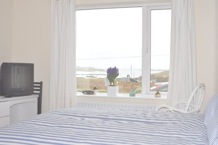 Clifden, Claddaghduff! 'Room with View'  Seaside! - Clifden