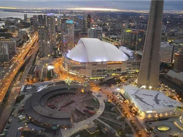 Magnificent Lux View/ CN Tower/Union Station/Oasis