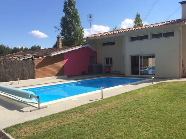 Villa contemporaine - Maison d'architecte - La Brède - Dům