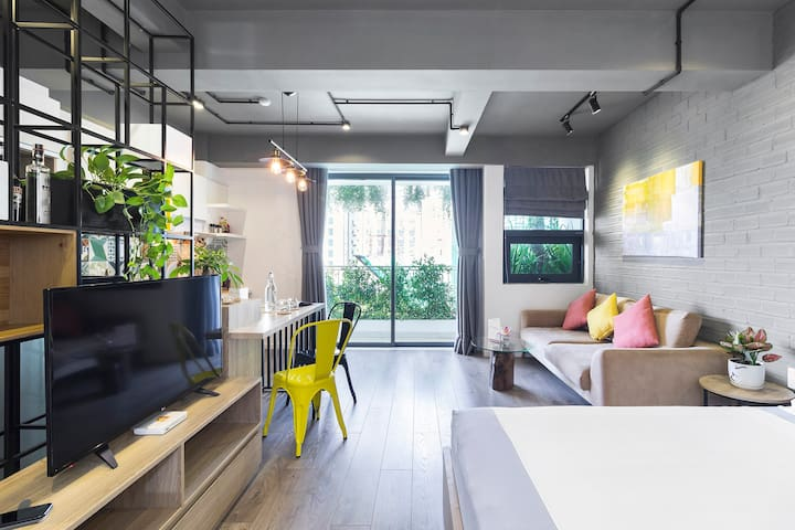 Well designed studio to bring natural light to your room