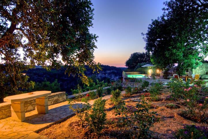 Villa Nikolaos - Peaceful Garden