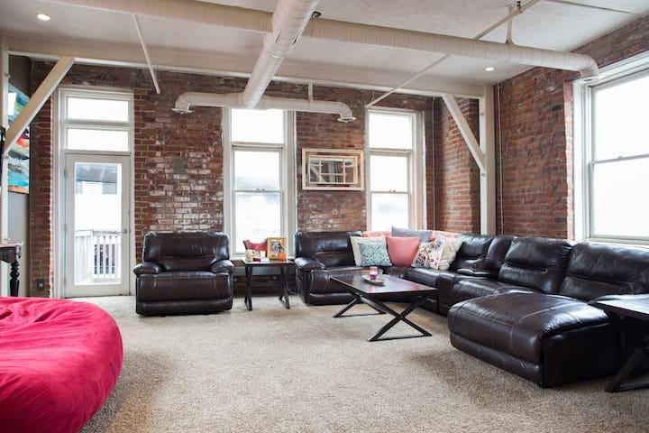 Old Market Loft all to yourself!