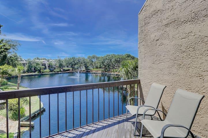 Beautifully renovated villa w/ serene lagoon views & shared pool/hot tub/tennis!