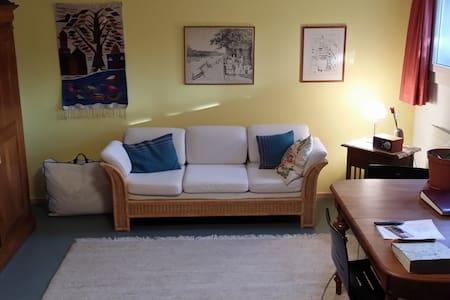 Gästezimmer  gediegen und ruhig - Bettingen - Bed & Breakfast