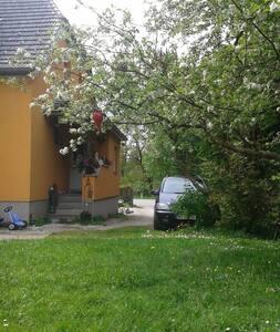 Zu Gast in Haus und Garten