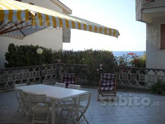 Villa by the sea - Torre del Lauro - Villa