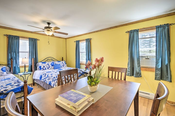 Sunny Couples Suite Studio on 100 Private Acres!