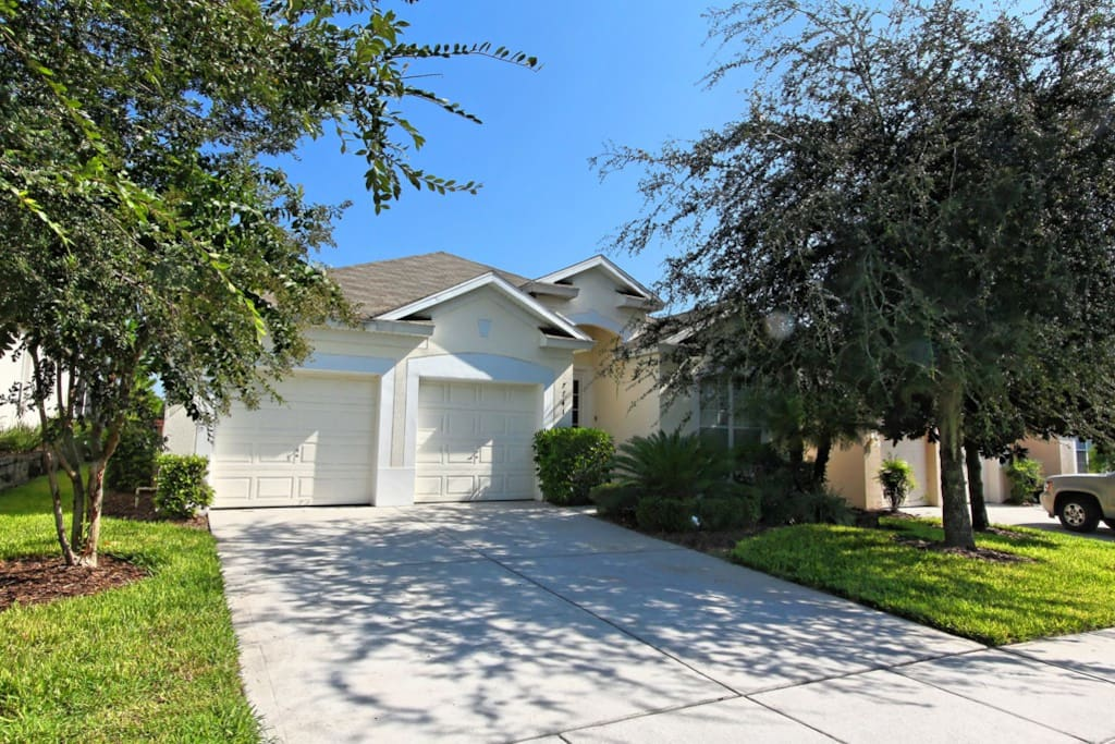 Dutch Royal Treat Houses For Rent In Kissimmee Florida United States