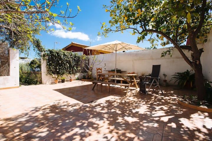 Habitación bonita y tranquila con baño privado - Las Pajanosas - House