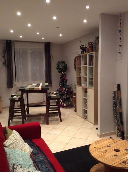 maison chaleureuse proche paris houses for rent in sainte genevi ve des bois le de france. Black Bedroom Furniture Sets. Home Design Ideas
