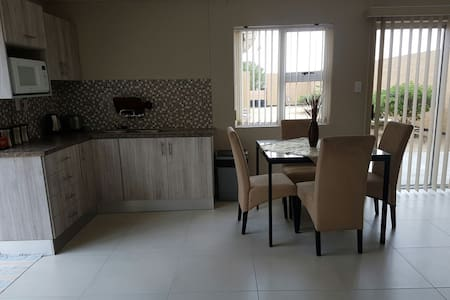 Charming and cosy bachelor's  flat - Swakopmund - Hus
