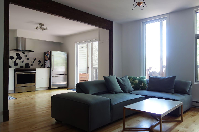 salon & cuisine - living room & kitchen