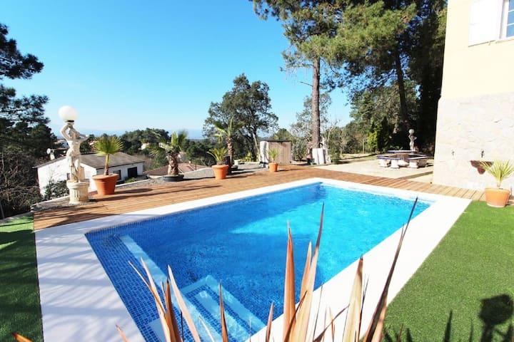 *Villa Aphrodite avec piscine privée grand jardin*