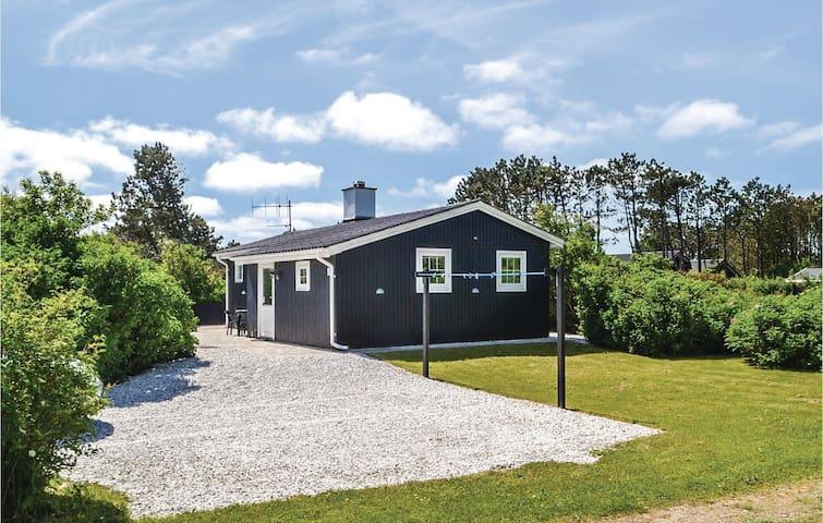 Holiday cottage with 2 bedrooms on 65m² in Hvide Sande