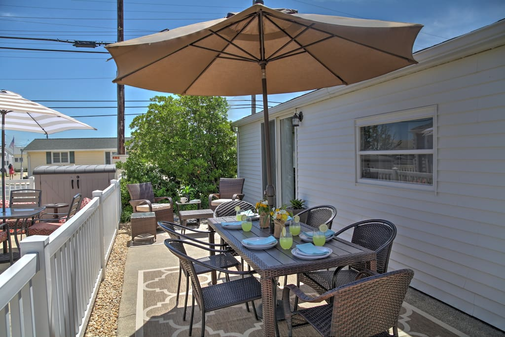 Unwind on the lovely patio and socialize with your companions