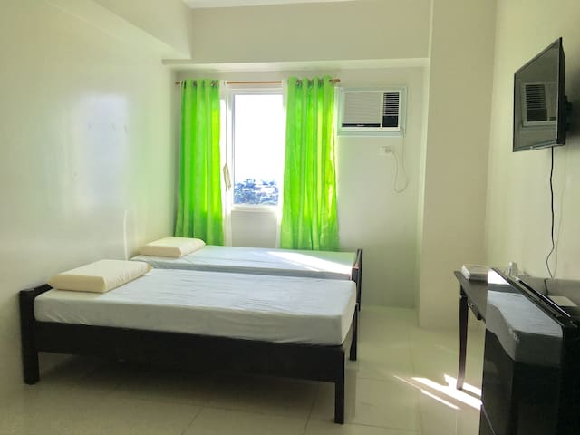 Comfortable and clean beds (we put the bedsheets before you arrive)