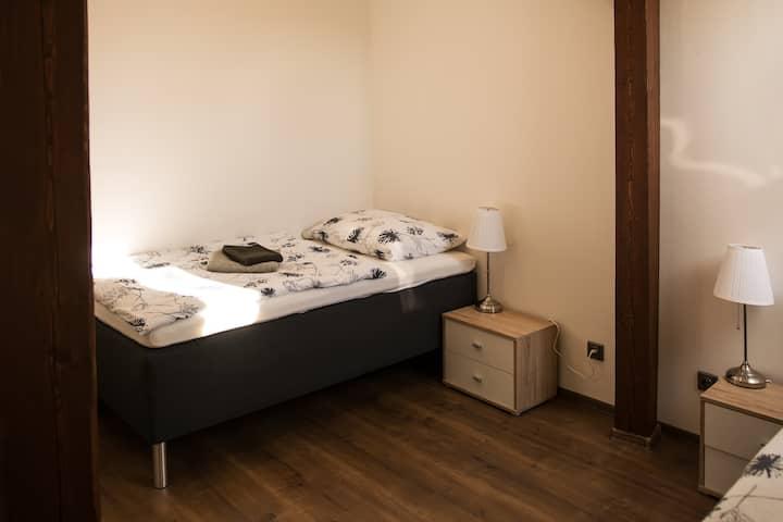 Útulný dvoulůžkový pokoj v hotelu Dania, Slavonice