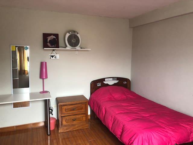 Habitación tipo roommate en La Molina