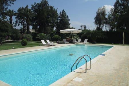 Villa d'Epoca con parco e piscina - San Cesario di Lecce - Villa - 2