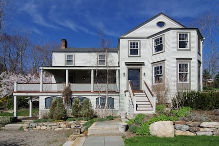 Vacation Home by Beach, Sleeps 8! - York - House