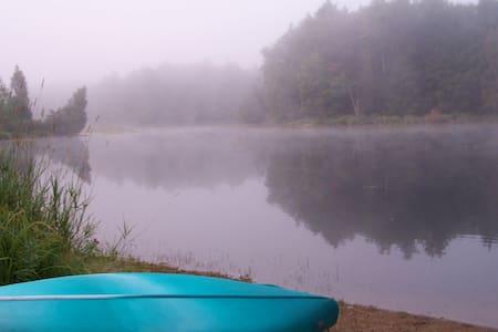 All-season waterfront retreat near Algonquin Park