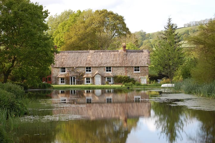 Peaceful Cottage in Wildlife Garden - Colyton - House