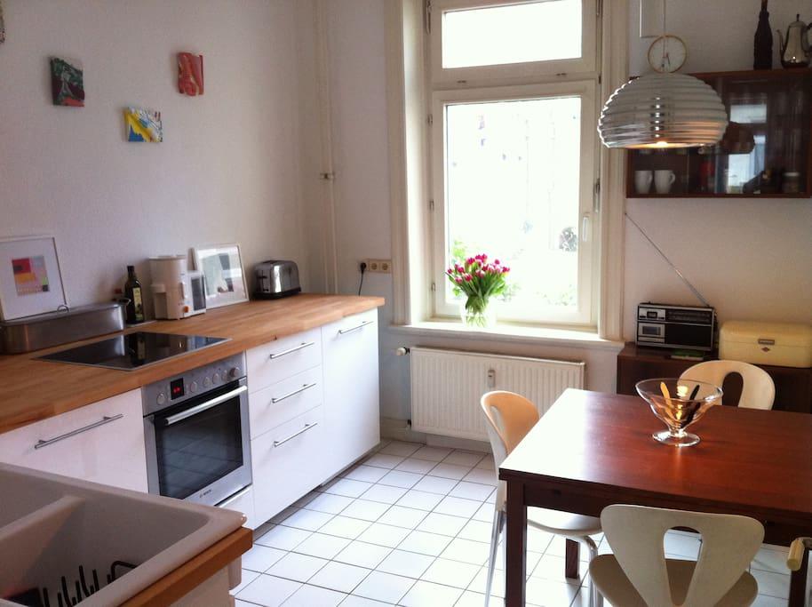 Viel Platz zum Kochen, Essen, Klönen...