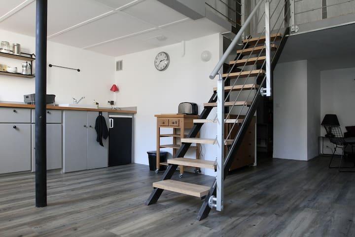 Loft moderne idéalement placé