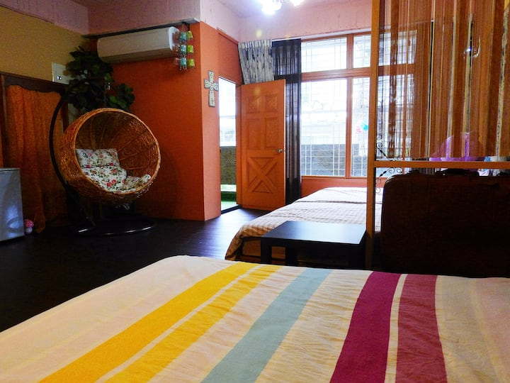 【House 123巷】2A六人房  位於台南火車站旁. 適合交通工具是雙腳的您
