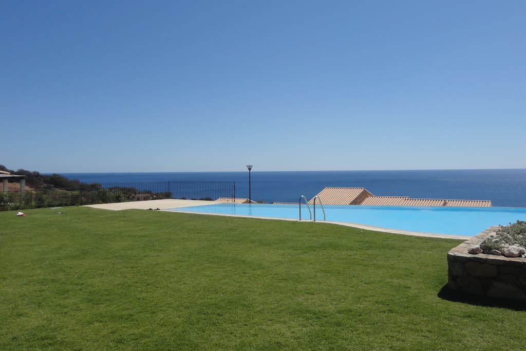 pool's solarium, wonderful sea views