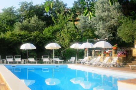 Appartamenti con giardino riservato - Gubbio